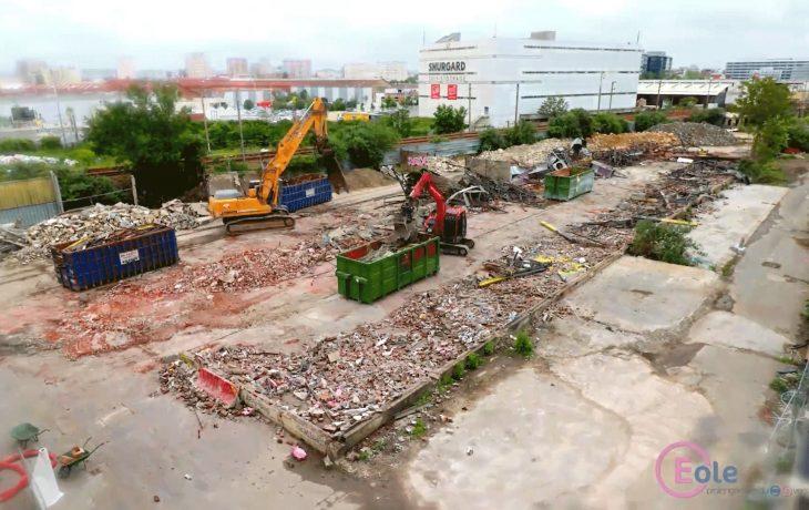 Time-lapse de la démolition de bâtiments sur l'île ferroviaire – Nanterre