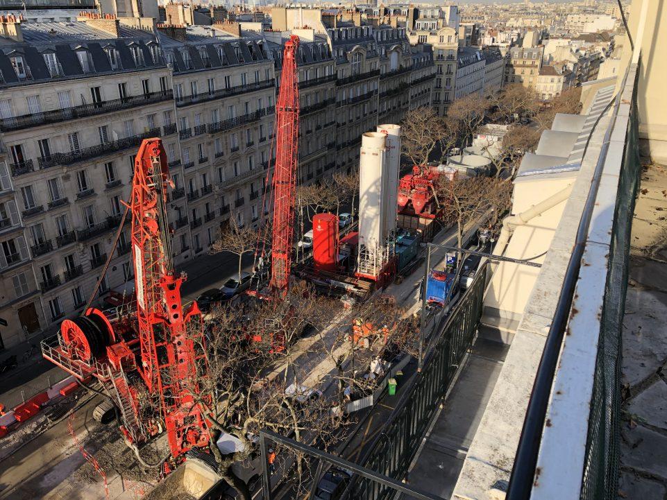 Vue d'ensemble du chantier du puits Carnot depuis une terrasse d'immeuble