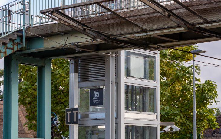 Gare accessible grâce aux ascenseurs