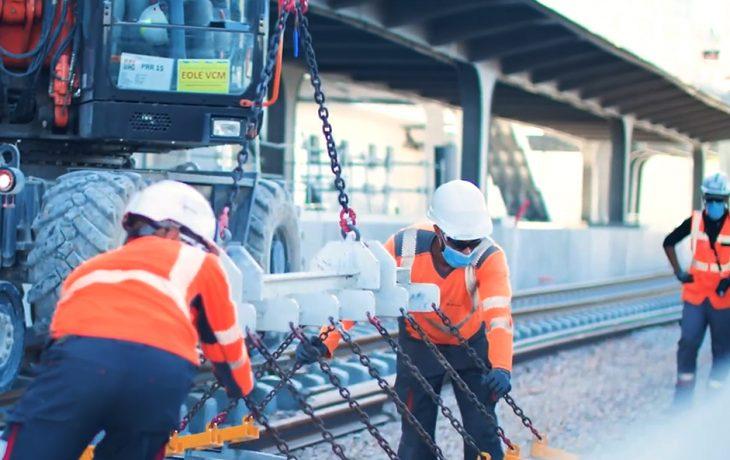 Une grande étape en gare de Nanterre: les premiers rails sont posés!