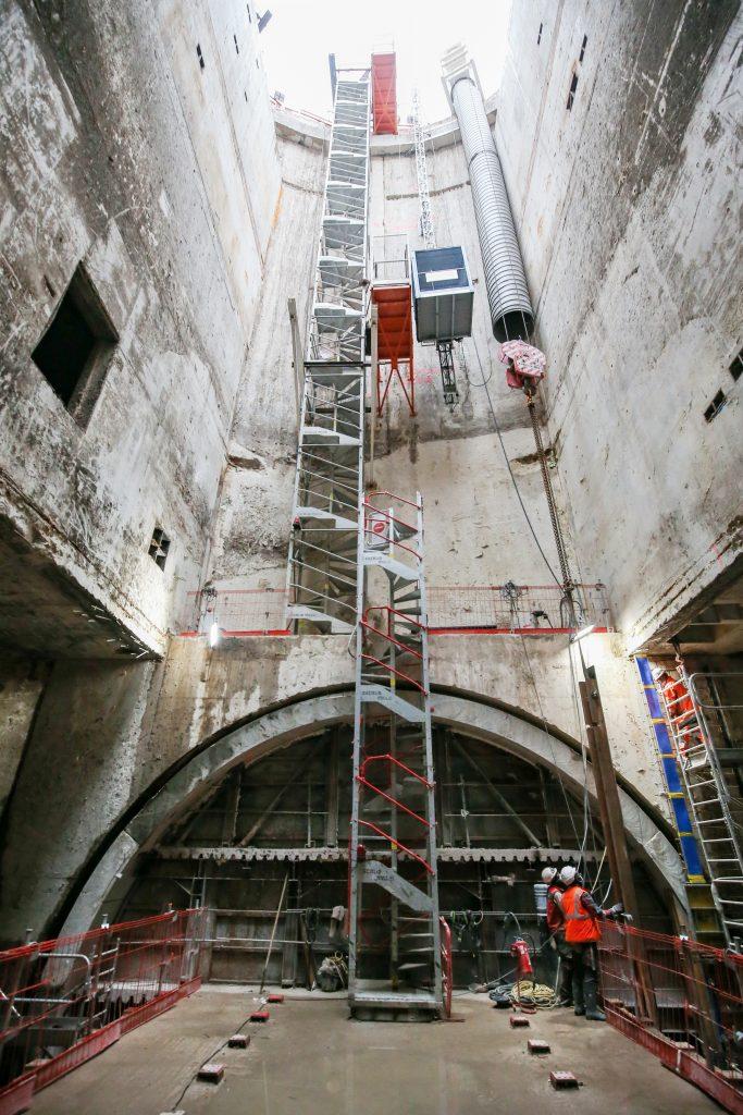 Vue intérieure du puits - Réalisation des étages en sous-sol.
