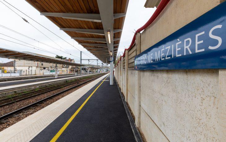 Retour en images sur les travaux d'enrobés de la gare d'Epône-Mézières