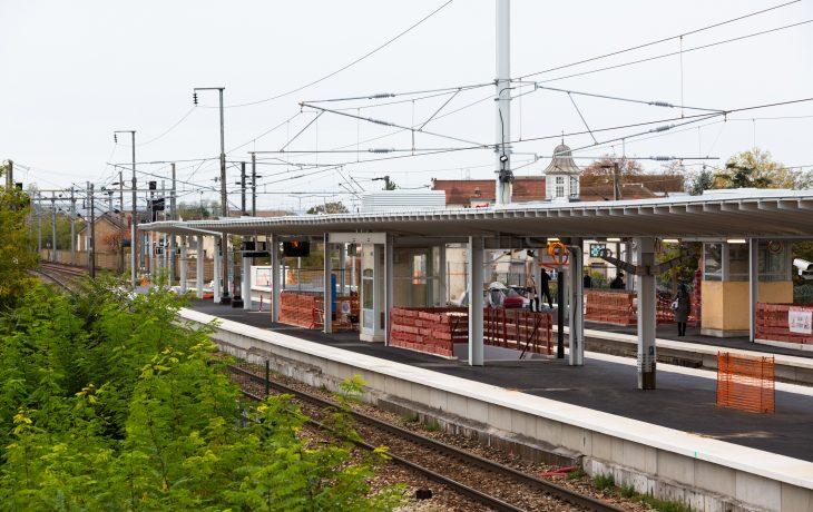 Les quais de la gare des Mureaux ont revêtu leur nouvel enrobé