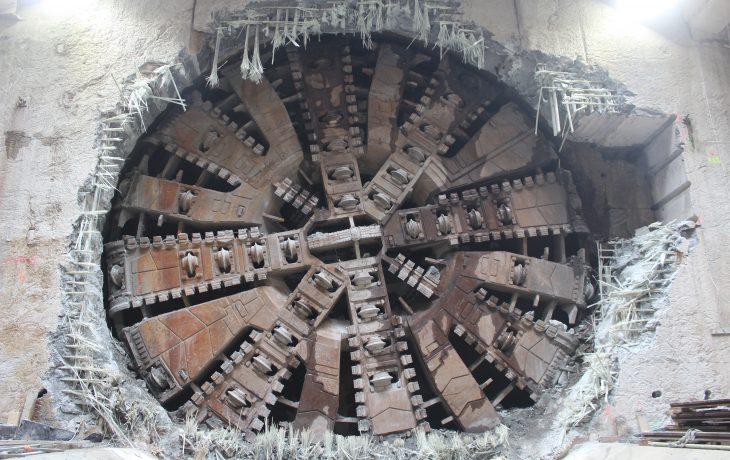 La roue de coupe du tunnelier Virginie est dévoilée.
