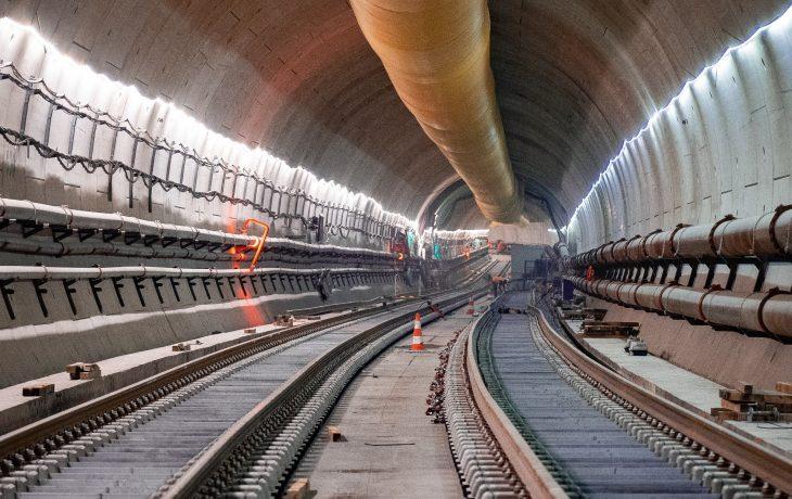 Tunnel Courbevoie : pose de la voie